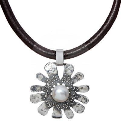 Colgante cuero y plata con perla