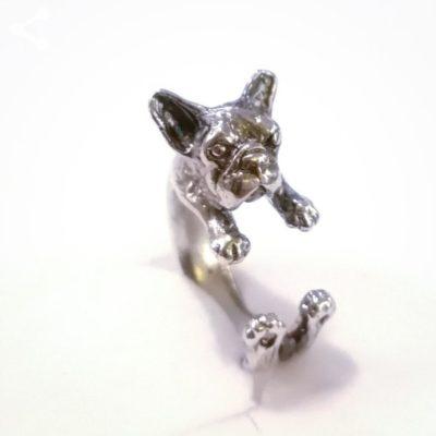 anillo perro buldog