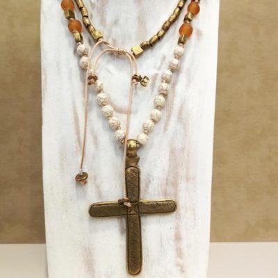 Collar cruz de bronce