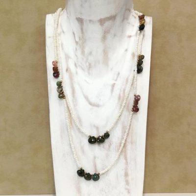 Collar perlas y cuarzos de colores