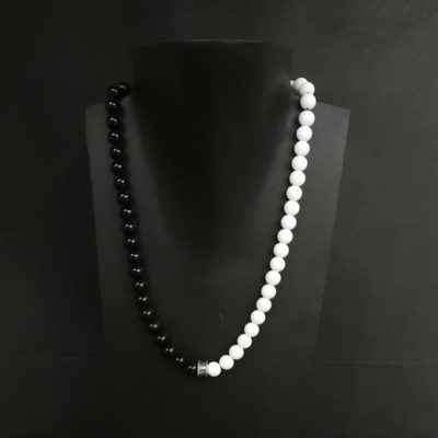 Collar Agata blanca y Onix